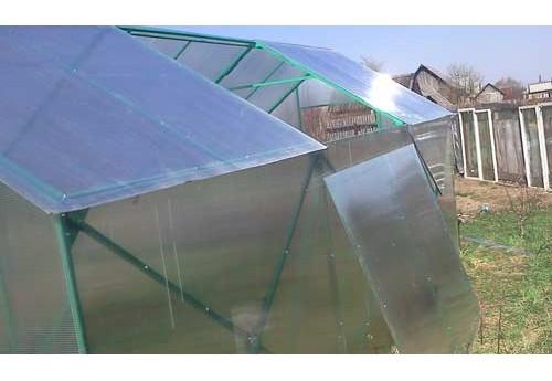 Как самостоятельно сделать теплицу с раздвижной крышей