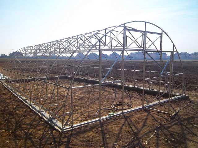 арочная фермерская теплица шириной 6 метров