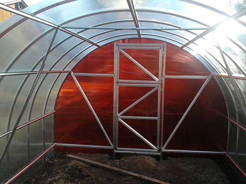 Установка теплицы-арки