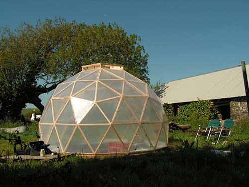 Теплица-купол из поликарбоната