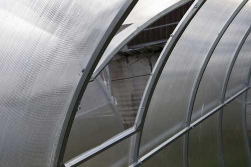 Описание теплицы с открывающейся крышей - материалы