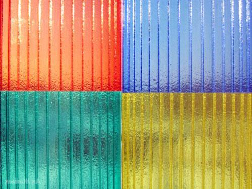 Практичный и качественный сотовый поликарбонат в разных цветах