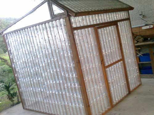 Теплица из пластиковых бутылок - как монтировать